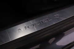 Tesla-Model S-18