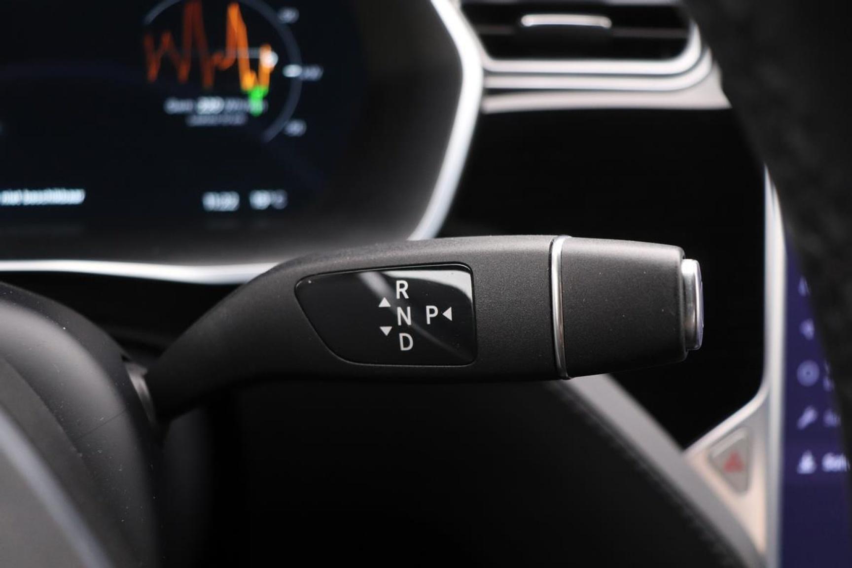 Tesla-Model S-9