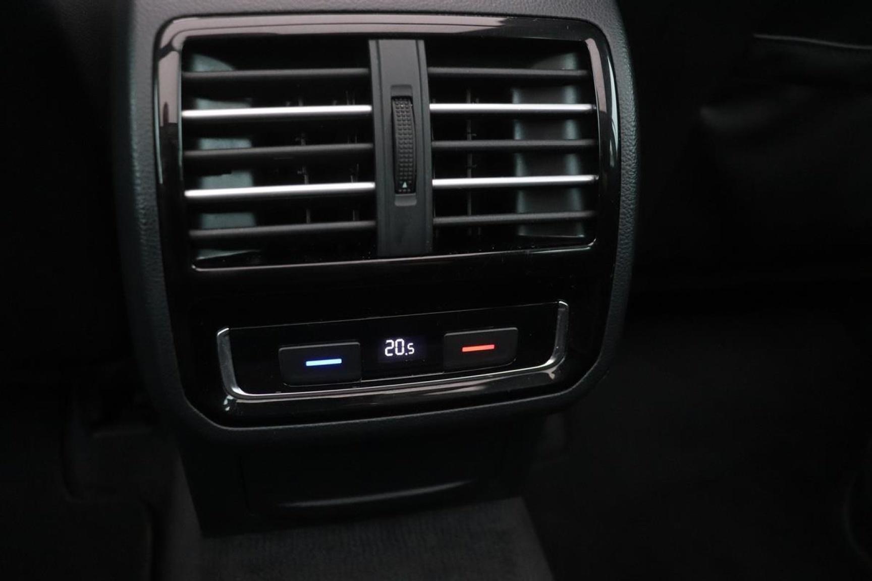 Volkswagen-Passat-25