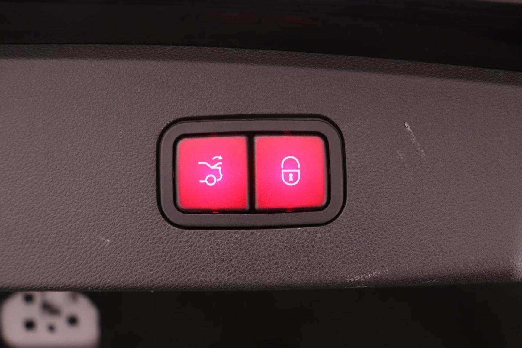 Mercedes-Benz-E-Klasse-30