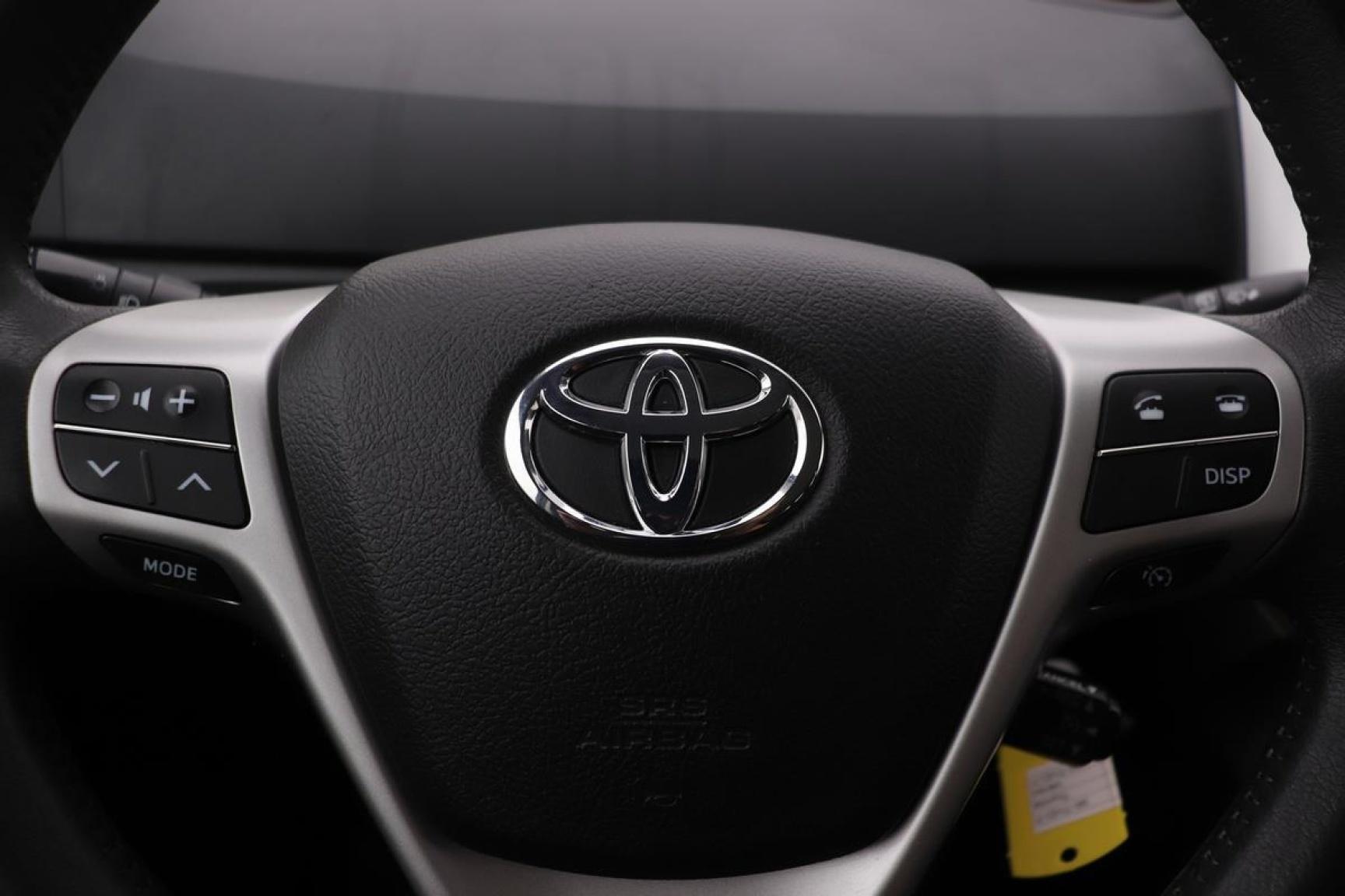 Toyota-Verso-10
