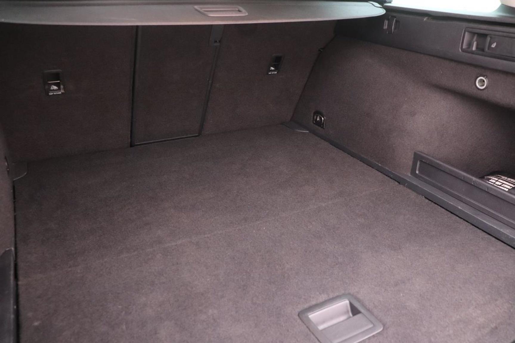 Volkswagen-Passat-28