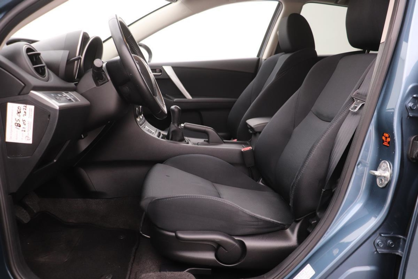 Mazda-3-17