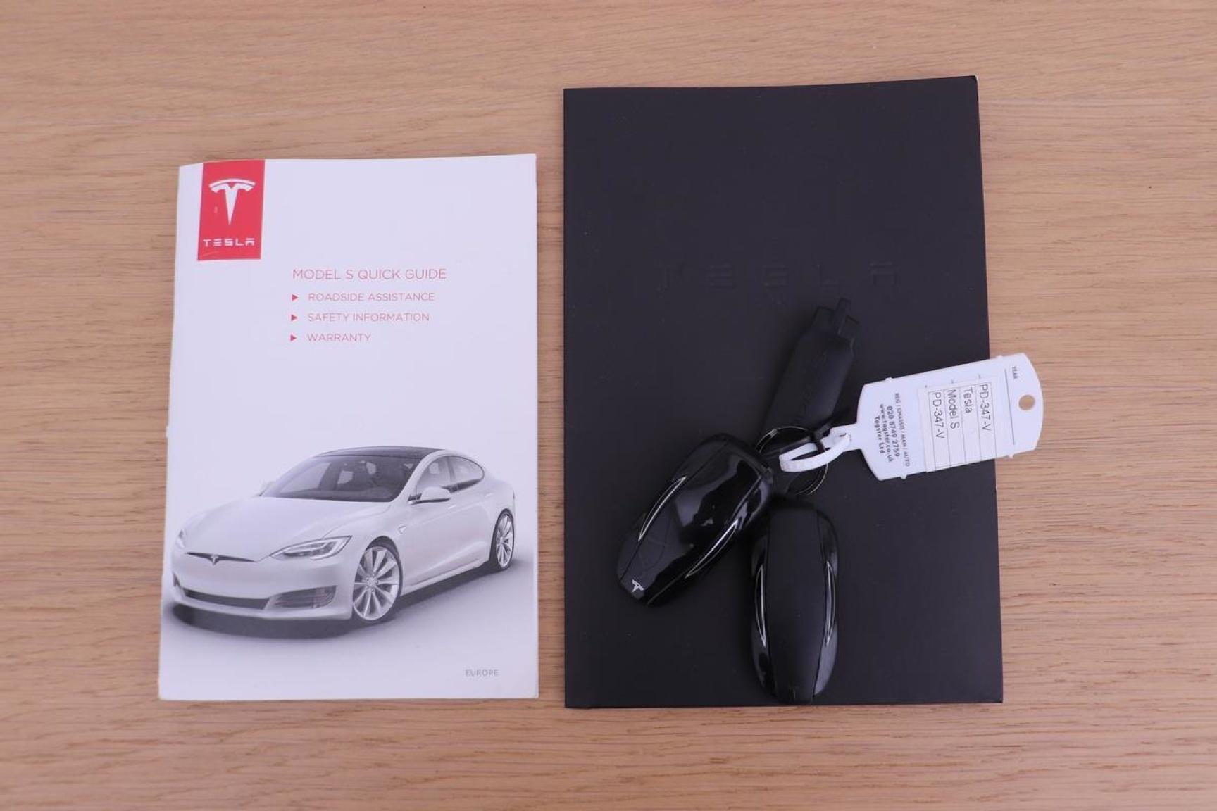 Tesla-Model S-16