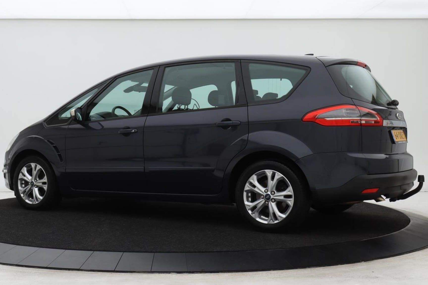 Ford-S-Max-1