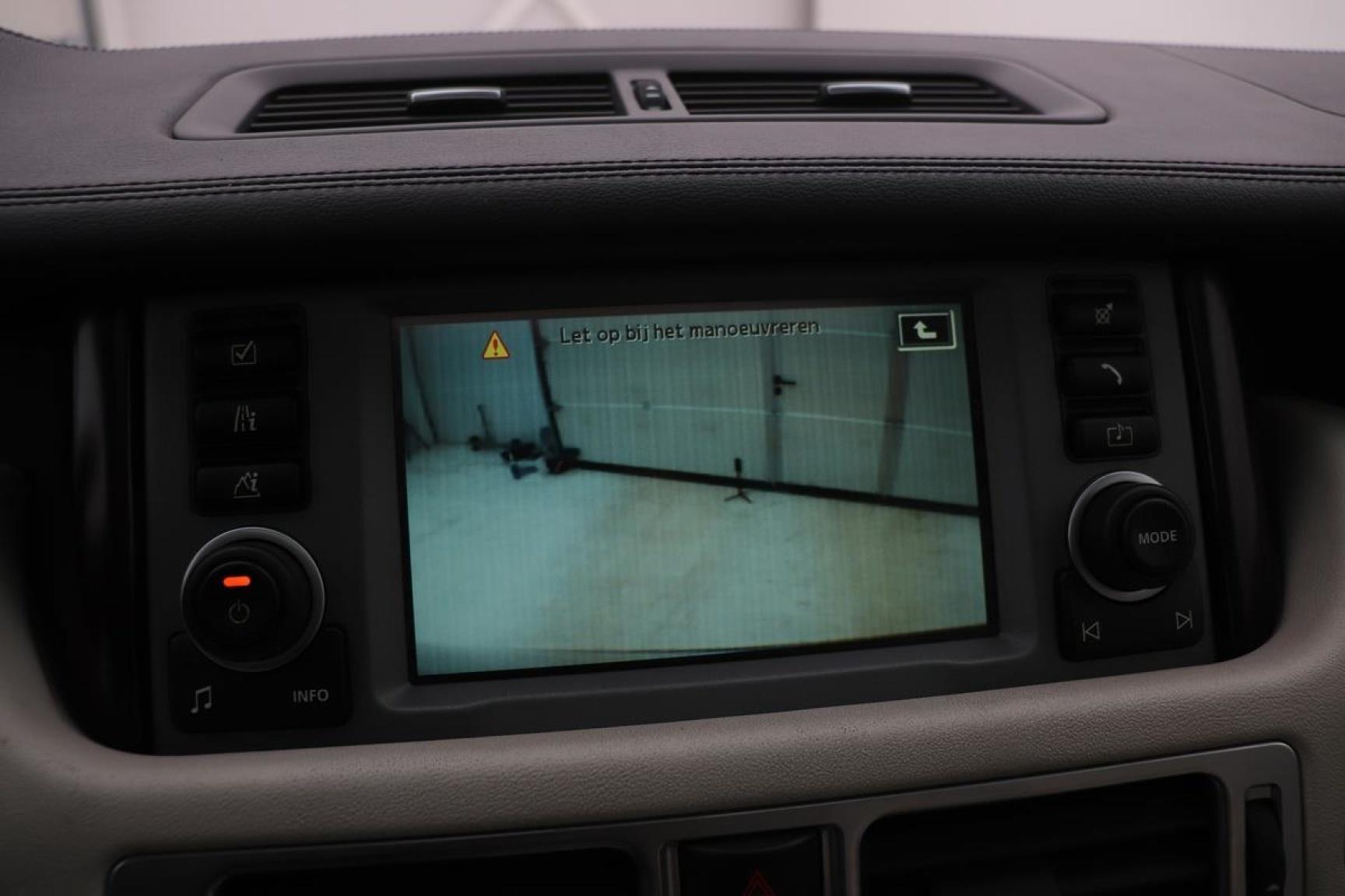 Land Rover-Range Rover-13